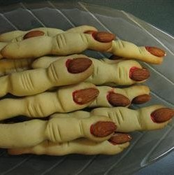 #Recipe | Make some spooky Witch Finger cookies